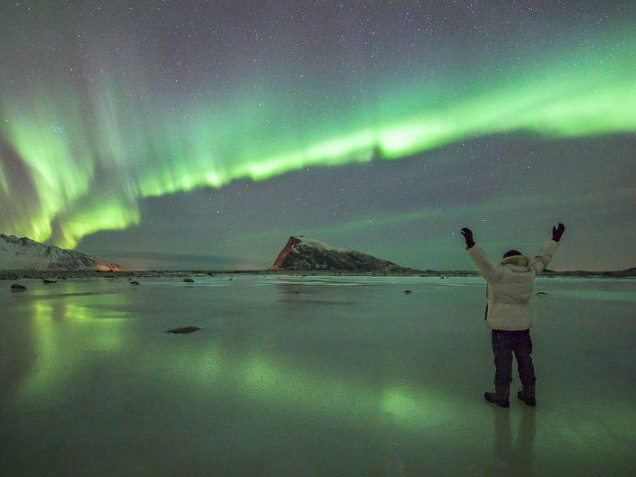 Robert Haasmann steht unterm Nordlicht, Lofoten