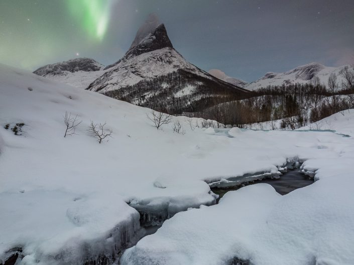 Nordlicht über Berg Stetind
