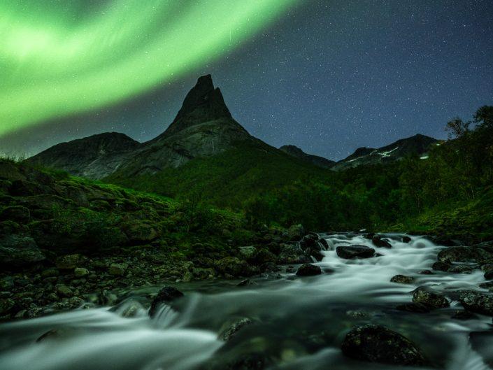 Nordlicht über dem Stetind, Norwegen