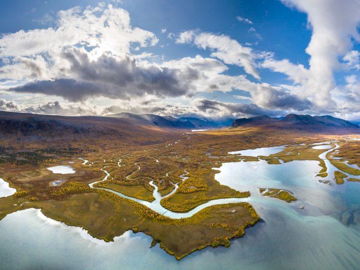 Flussdelta bei Nikkaluokta, Luftaufnahme, Lappland, Schweden