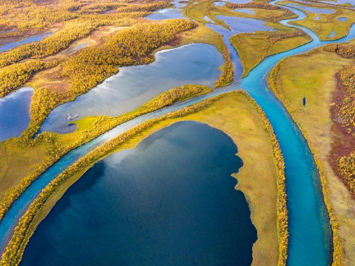 Flussdelta bei Nikkaluokta, Luftaufnahme, Schweden