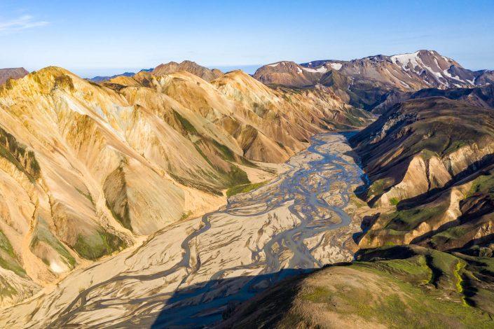 Luftaufnahme der Landschaft im Hochland, Landmannalaugar, Island