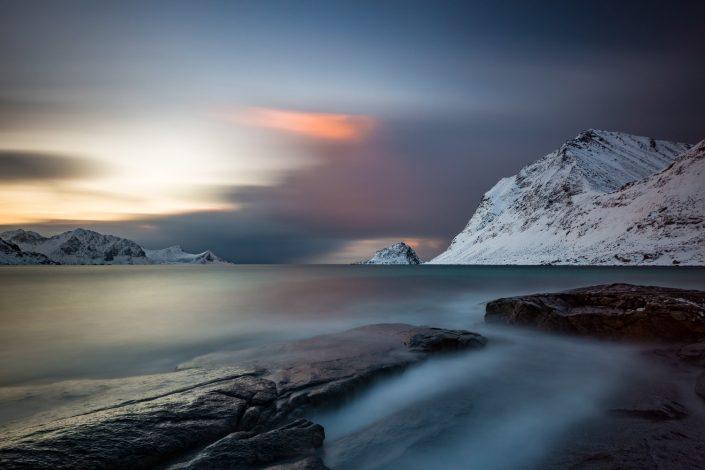 Langzeitbelichtung am Strand von Haukland, Lofoten