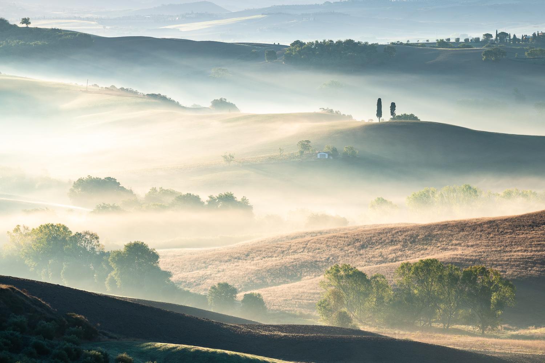 Nebelstimmung in der Hügellandschaft, Toskana